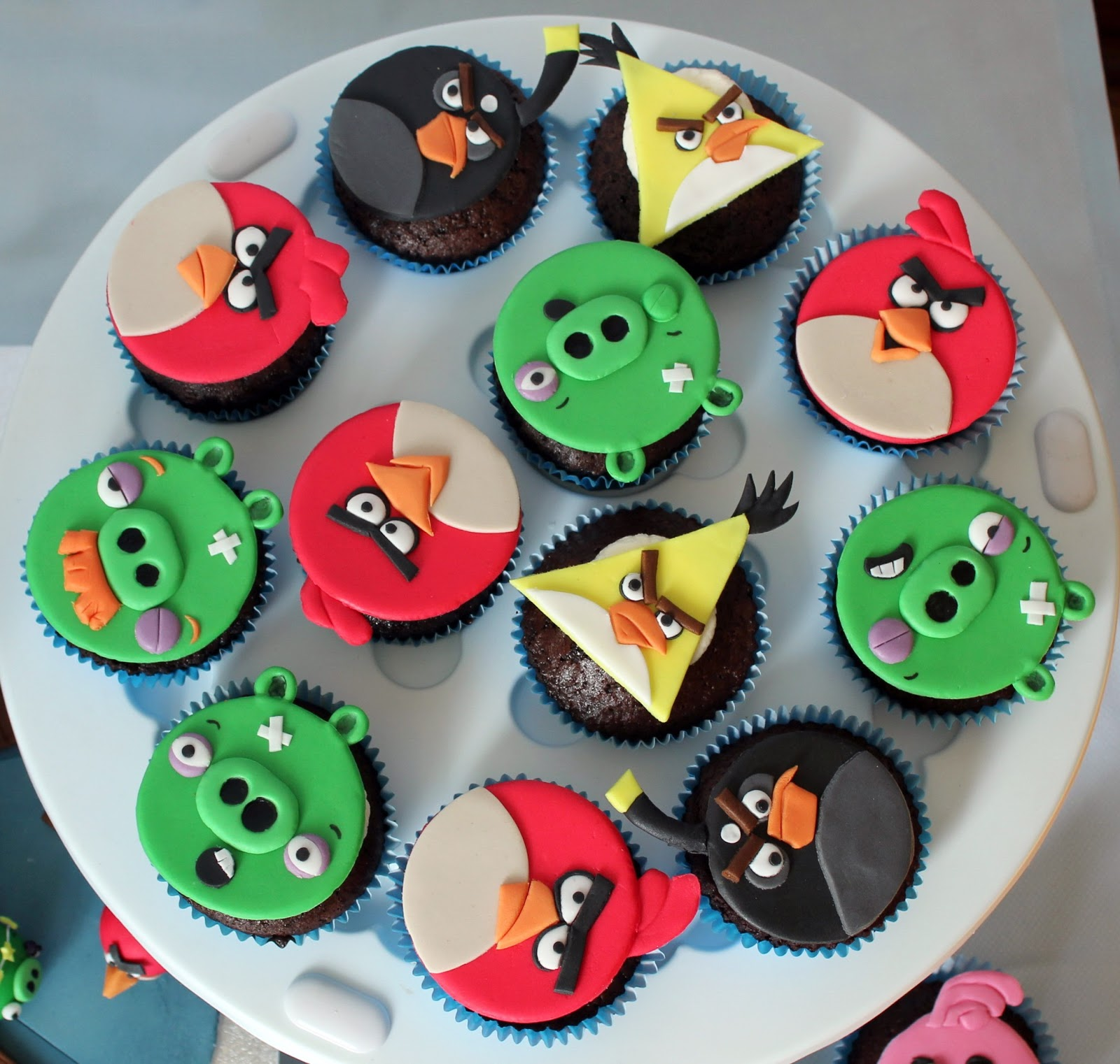 Discount Kids Party Supplies, Free Same Day Shipping at Angry birds edible cupcake images